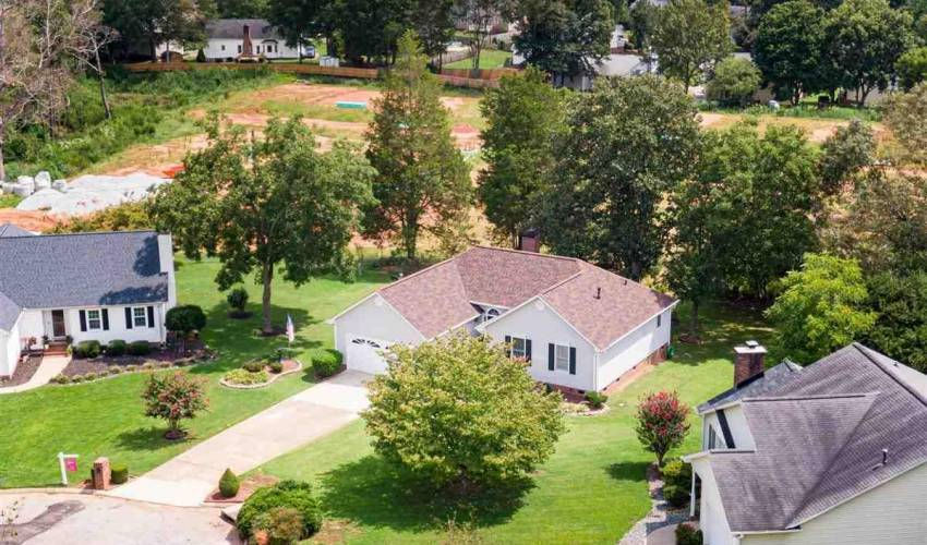 Picture 9 of 120 Thornapple Way