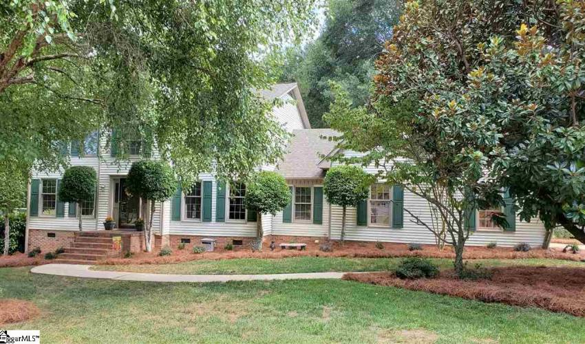 Picture 1 of 206 Chestnut Oaks Circle
