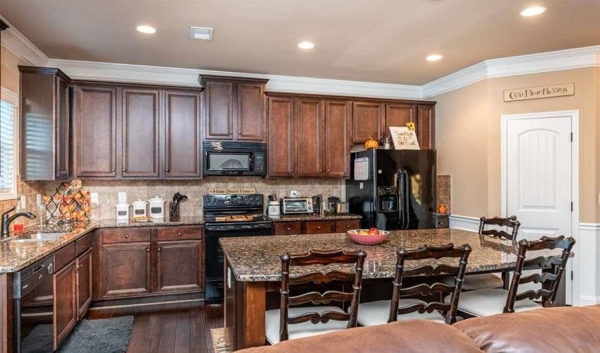 Picture 8 of 167 Wild Hickory Circle