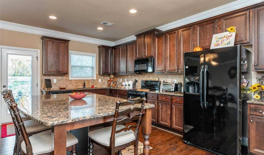 Picture 9 of 167 Wild Hickory Circle