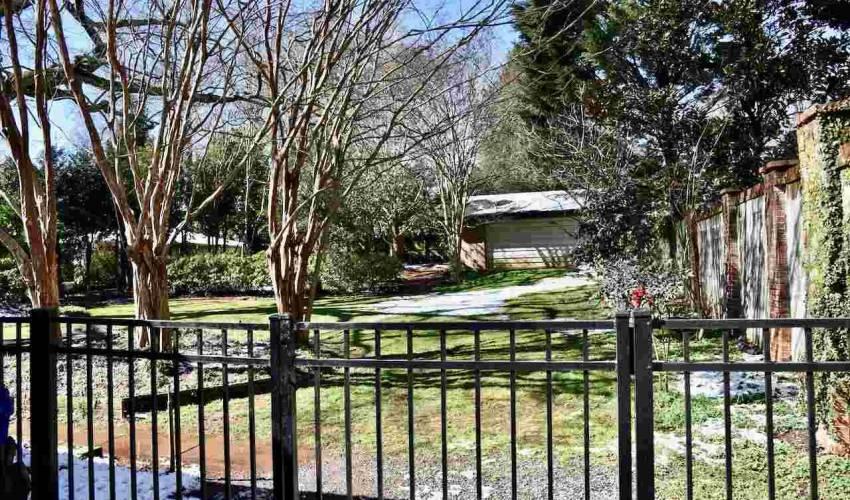Picture 5 of 231 E Avondale Drive