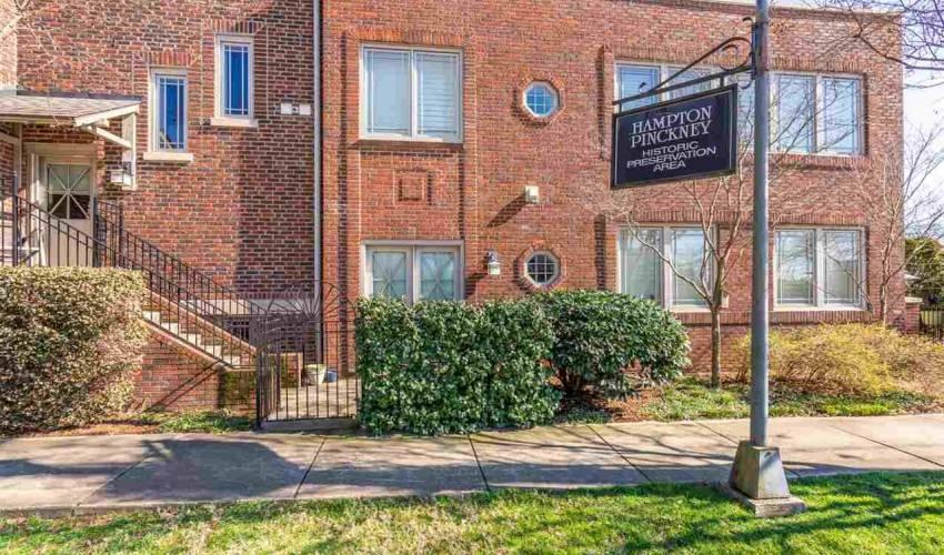 Picture 17 of 325 Hampton Avenue