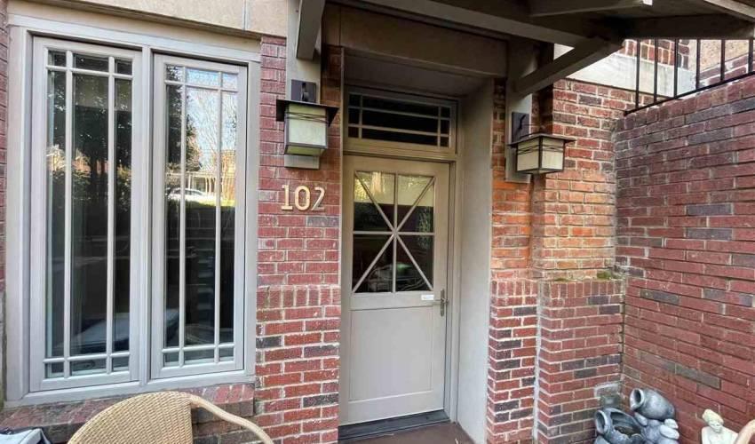 Picture 2 of 325 Hampton Avenue