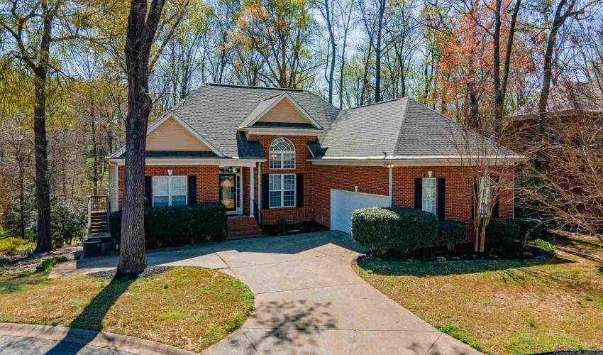Picture 1 of 402 Netherland Lane