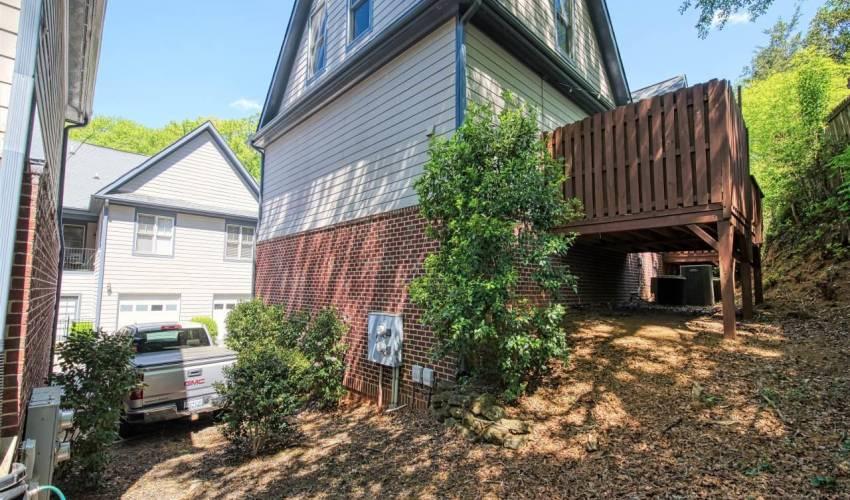 Picture 32 of 706 A Bennett Street