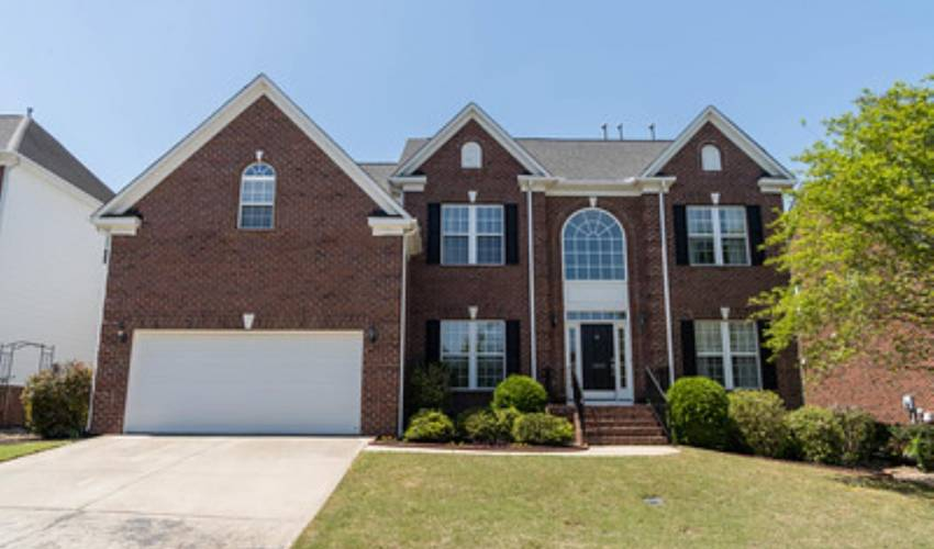 Picture 1 of 1100 Carriage Park Circle