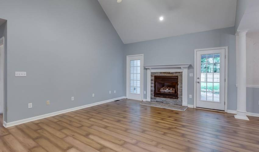 Picture 4 of 203 Flagstar Court